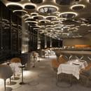 Le Ciel de Paris  - Tables et bar -   © Vincent Leroux : Temps machine