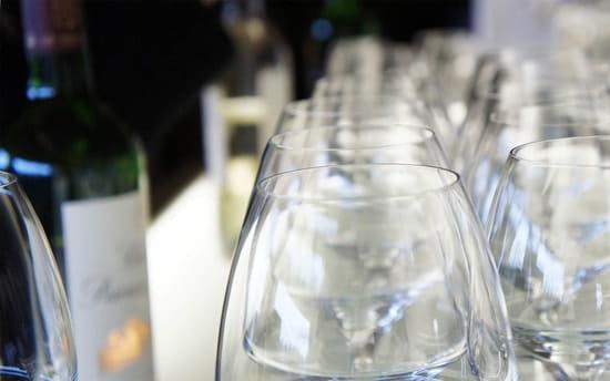 Aquitaine-Croisières : Repas Croisières  - Nos nombreux vins de terroirs sont inclus dans le Menu -   © Aquitaine-Croisières 2012