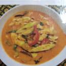Plat : Coliseum Bane Thaï  - Keing Phed kay ( potage au poulet au lait de coco- curry rouge) -