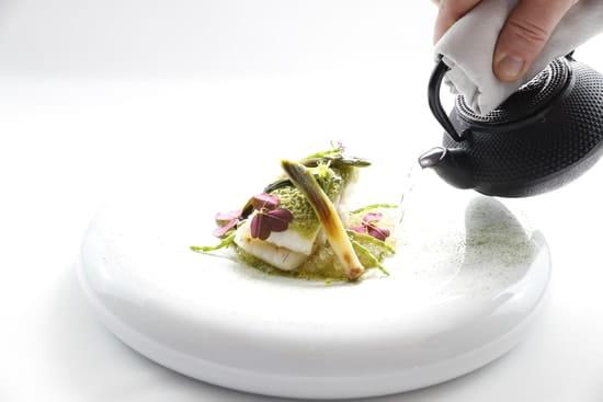 La Table Lionel GIRAUD  - Plat, le turbot snacké au combava - Carte Automne 2016 -   © Le Petit Gastronome