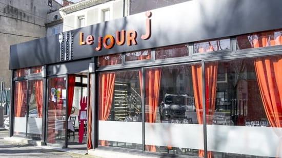Restaurant le Jour J  - La vitrine -
