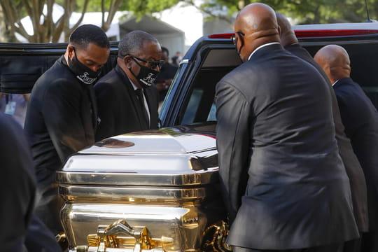 Obsèques de George Floyd: les images des hommages