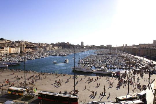 Municipales à Marseille: la droite en pôle, sondages et actus