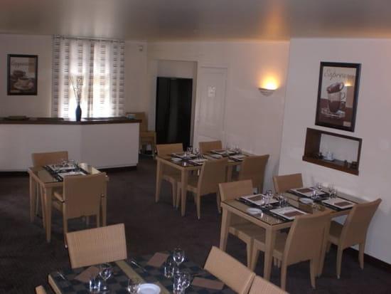 L'Annexe  - LA SALLE CAFE DE 18 A 26 COUV -