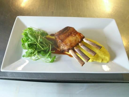 Plat : Talaia  - Carré d agneau et sa purée de carottes jaunes  -