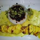 Plat : Point Soleil  - Spécialité persane : brochette de poulet mariné riz aux airelles et pistaches, sauce safran  -