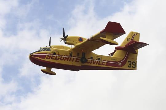 Incendie à Saint-Mandrier (Var): le feu ne progresse plus