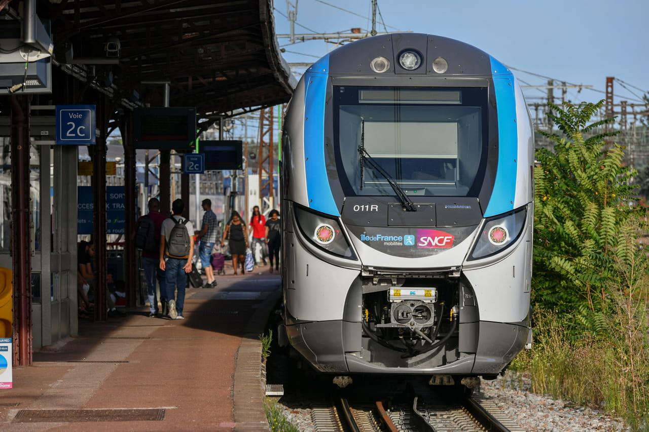 Trafic SNCF: la moitié des TGV, Ouigo et Intercités en circulation mardi
