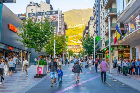 Cigarettes en Andorre: hausse du prix du tabac, combien ça va coûter?