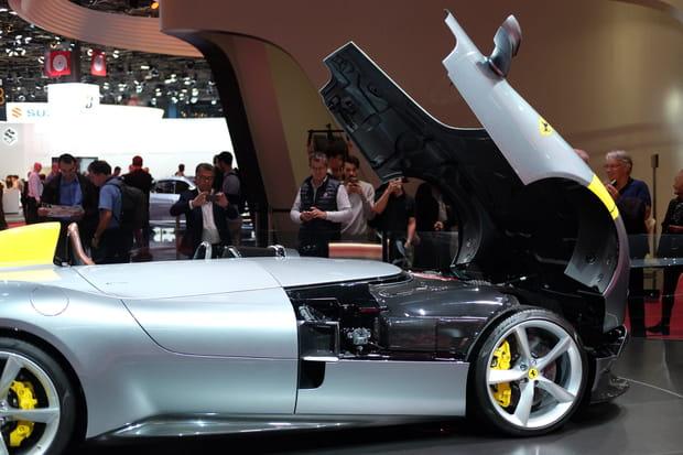 Une voiture longue de 4,66mètres