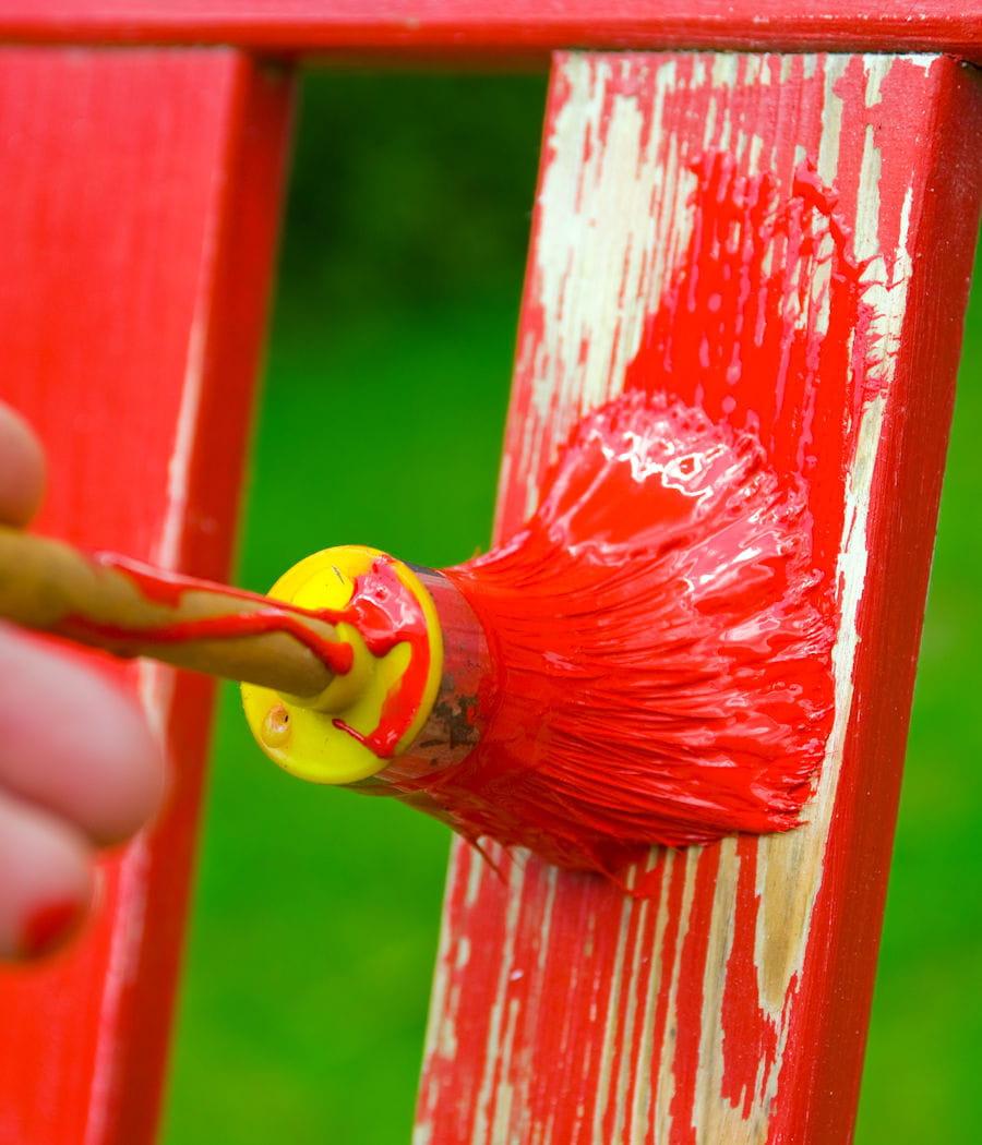 Peindre son mobilier de jardin en bois