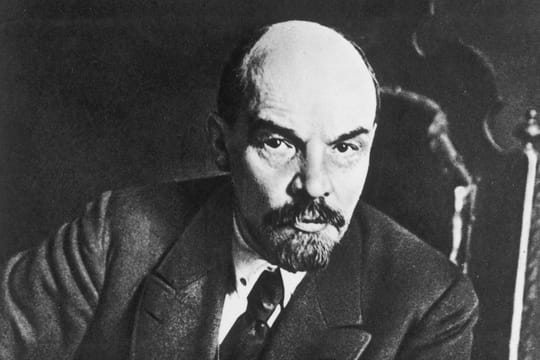 Lénine: URSS, relation avec Staline... Biographie simple de Vladimir Ilitch Oulianov