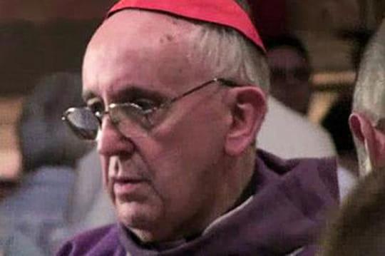 Pape François: la polémique de la dictature