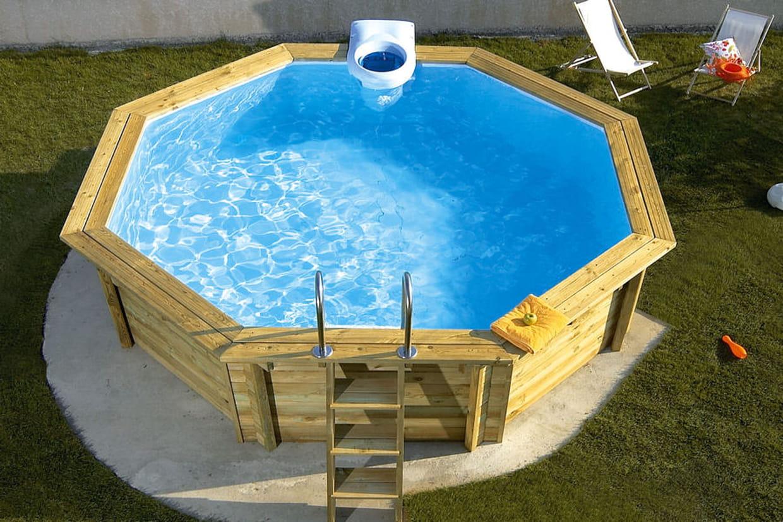 une piscine en bois. Black Bedroom Furniture Sets. Home Design Ideas