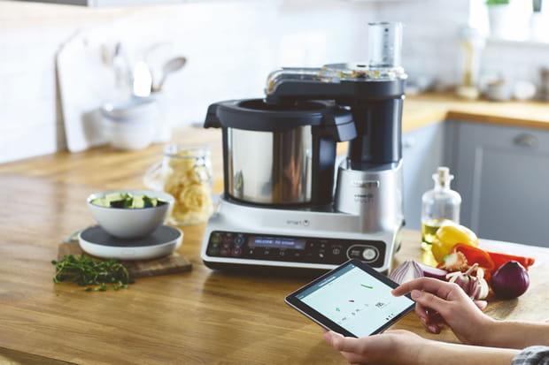 un robot culinaire connect. Black Bedroom Furniture Sets. Home Design Ideas
