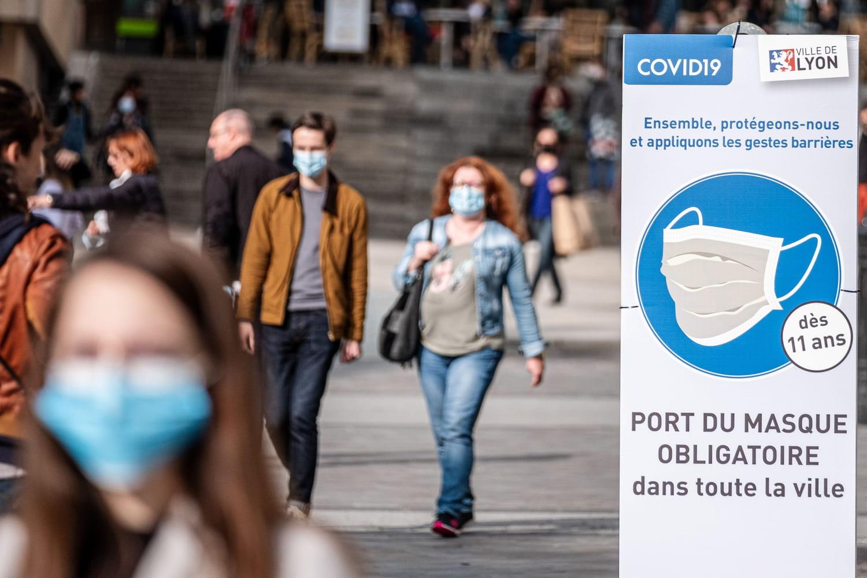 Port du masque obligatoire: optionnel avec un pass sanitaire, réimposé à l'extérieur... Où en est-on?