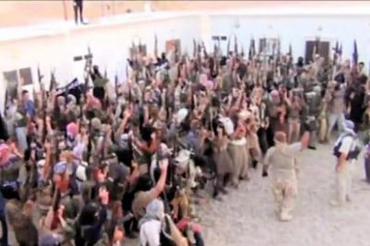 Daesh : des enfants torturés, crucifiés, vendus comme esclaves par lesislamistes