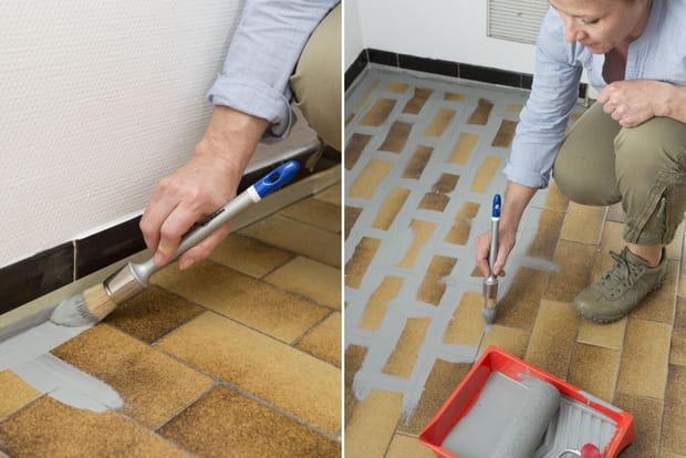 Application De La Peinture Sur Les Joints De Carrelage