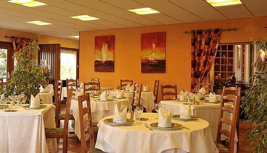 Le Prieuré  - la salle de restaurant -