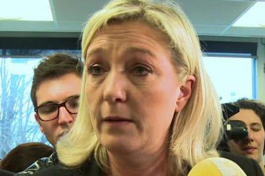 Marine Le Pen pète les plombs à la radio