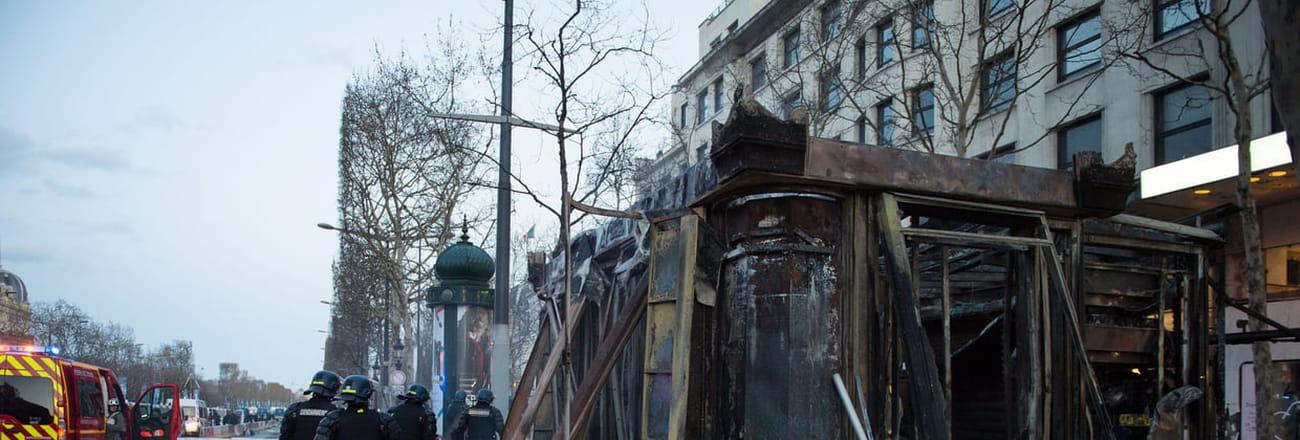 Les photos des saccages sur les Champs Elysées