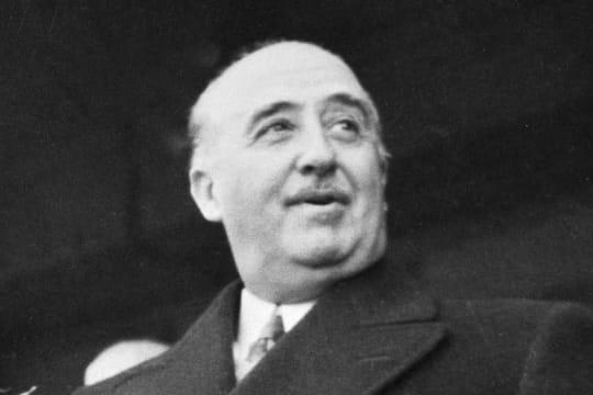 "Francisco Franco: le corps du ""Caudillo"" sera bien exhumé, sa tombe transférée"