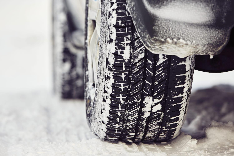Pneus neige obligatoires: quels départements, qui est concerné?
