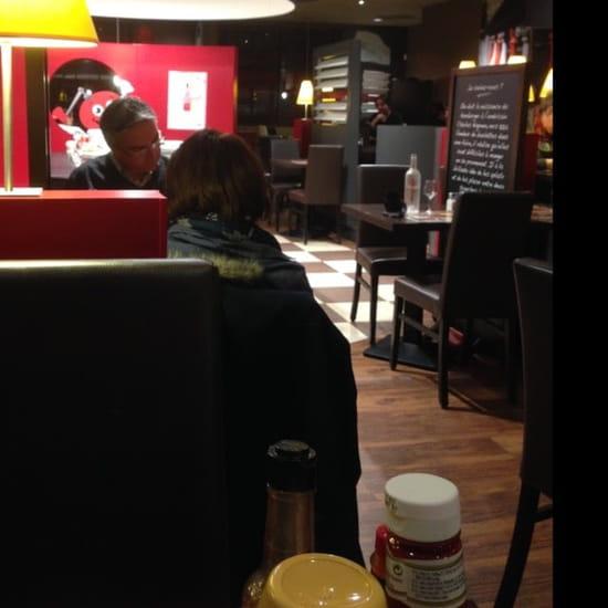 Restaurant : Poivre Rouge  - Salle de restaurant -