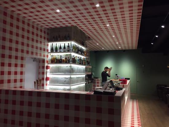 , Restaurant : La Maison Martin  - Le Bar -   © Martin Fleury