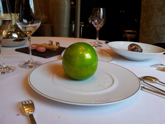 Le Pré Catelan  - pomme soufflée croustillante -   © mv3dfr@free.fr