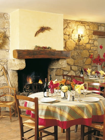 Restaurant Les Deux Sorru  - salle 1 -   © Ibagni