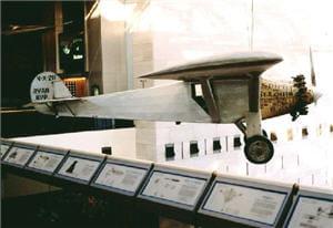 charles lindbergh a piloté le spirit of st louis.