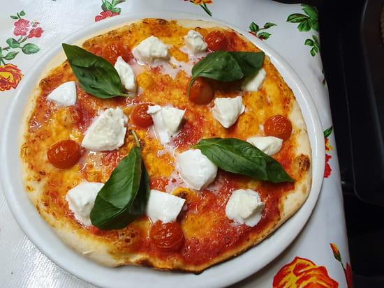 Plat : Babalou  - Pizza tricolore pizzéria Babalou Montmartre -   © Hlkgilles