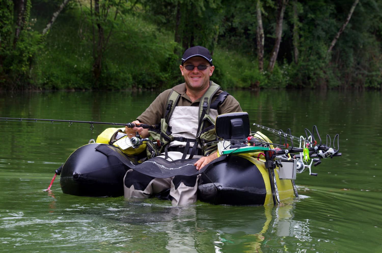 Float tube (pêche): comment bien choisir sa barque de pêche