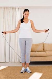 la corde à sauter fait travailler tout le corps.