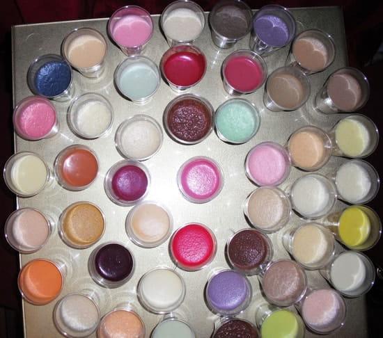 Aux Fontaines de Chocolat  - 100 parfums 100 couleurs chocolat -