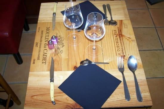 Restaurant le 8  - Table salle interieur -   © Audy Jérôme