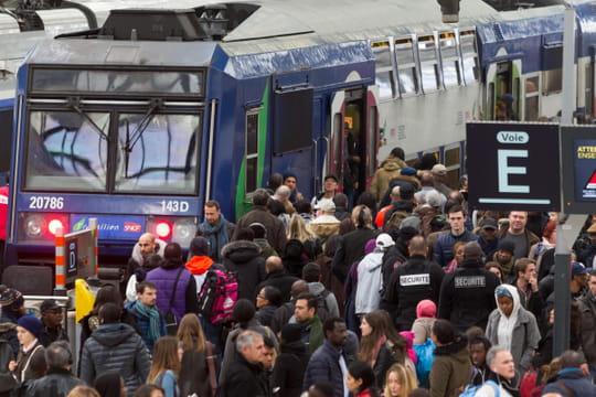 Grève SNCFRATP: des perturbations de trafic du 5décembre jusqu'à Noël?