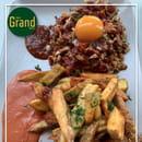 Restaurant : Café Grand Biarritz  - TARTARE VIANDE BOUCHERE ET FRITES MAISON - SUR PLACE OU A EMPORTER -   © cafégrandbiarritz