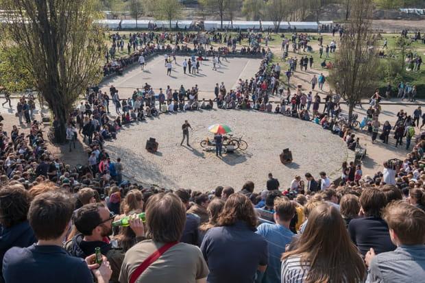 Participer à un karaoké en plein air au Mauerpark