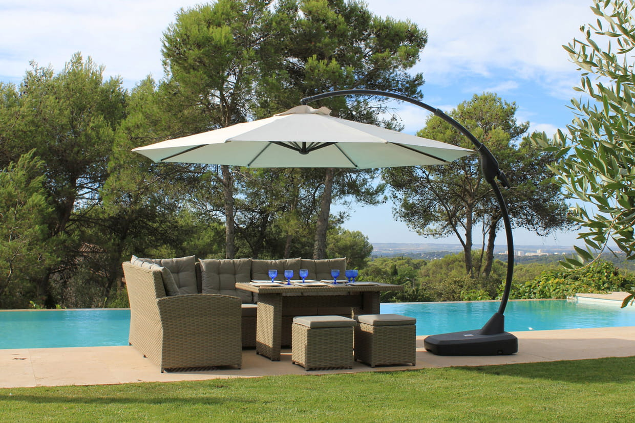Un parasol d port design - Parasol deporte inclinable leroy merlin ...