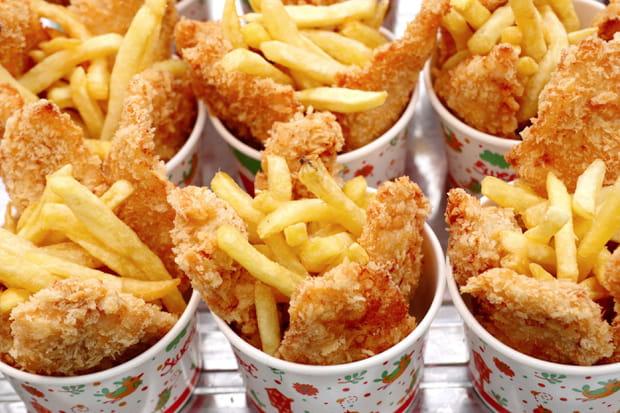Des nuggets et une grande frite