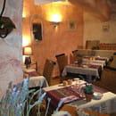 Les Lavandes  - La salle dans la ville historique -