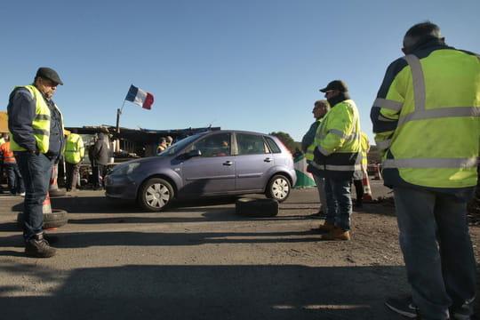 Gilets jaunes: le direct, quels blocages routiers samedi 15décembre?