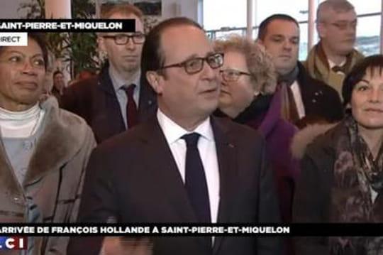 François Hollande: ses emplettes àlaFnac, inspirées de Barack Obama