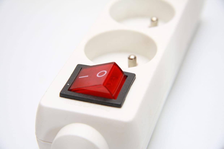 interrupteur relié à la terre 1,5 m Rallonge bloc multiprise blanc 6 prises