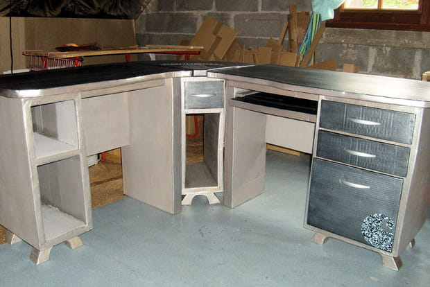 un bureau d 39 angle. Black Bedroom Furniture Sets. Home Design Ideas