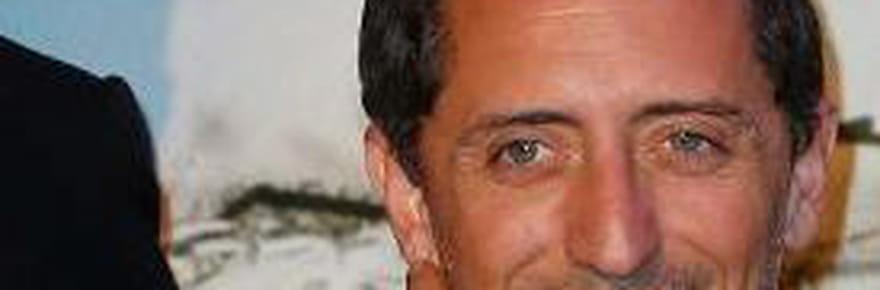 """Gad Elmaleh charge Le Monde : """"Le loser, c'est le fraudeur"""" pour Twitter qui s'enflamme"""
