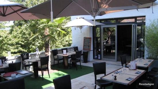 Le 9 Restaurant  - La terrasse -   © Jérôme Payan