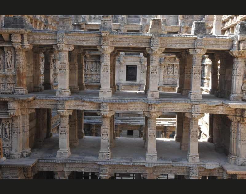 Rani-ki-Vav, le puits à degrés de la Reine, à Patan en Inde